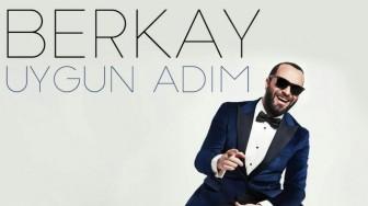 """Berkay'dan Yaz Şarkısı """"Uygun Adım"""""""